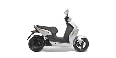 vmoto-e-max-120s-electric-scooter-review-1200x600-c-default